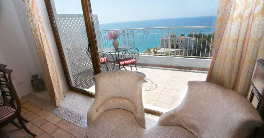 holiday reservations in Tropea